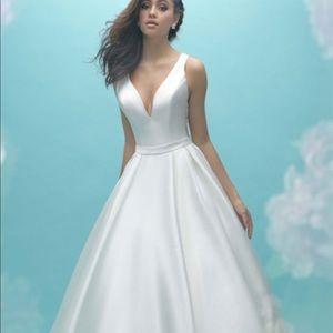 Unworn Wedding Dress- allure 9473